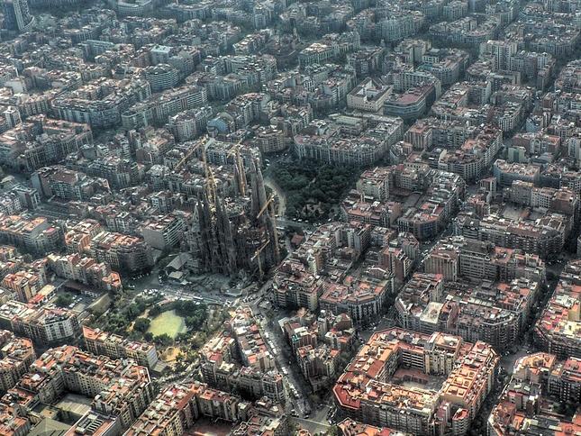 Basilica De La Sagrada Familia Church Of The Holy Family Barcelona The Best Places In Spain