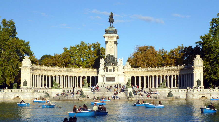 what to visit in spain the most popular buildings and monuments
