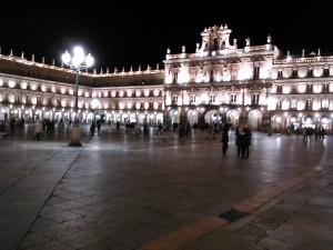 plaza mayor salamanca de noche
