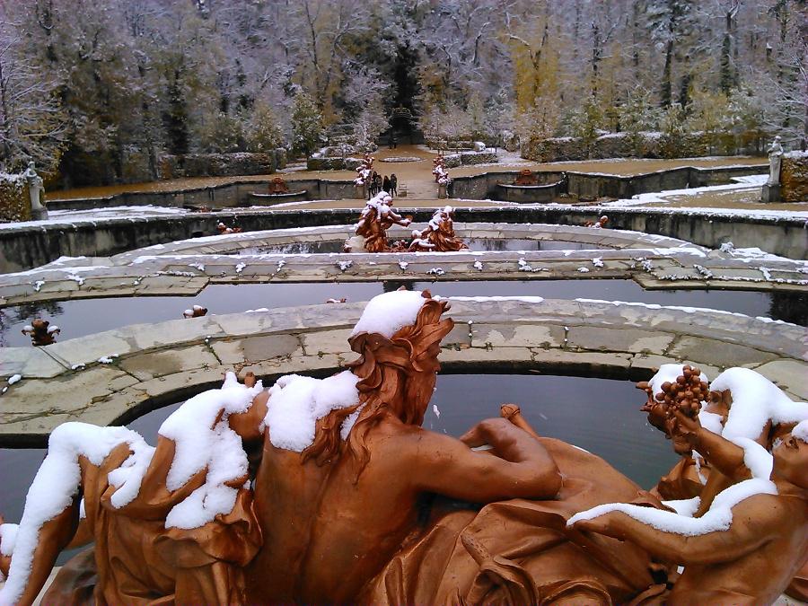 statue fountain san ildefonso
