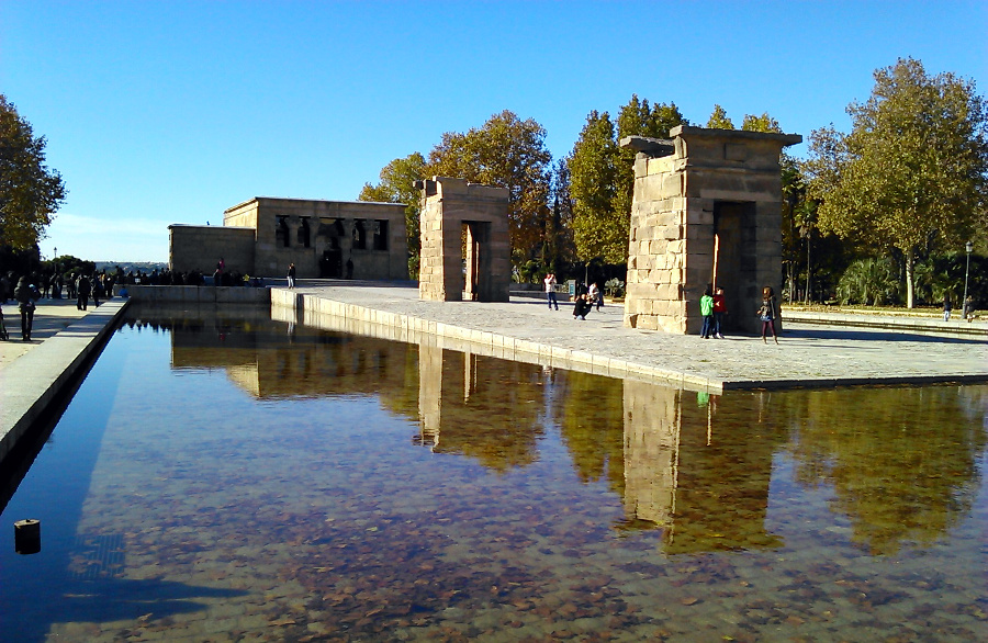 The Debod Temple (Madrid) - The best places in Spain