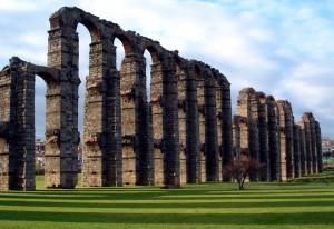 roman aqueduct merida spain